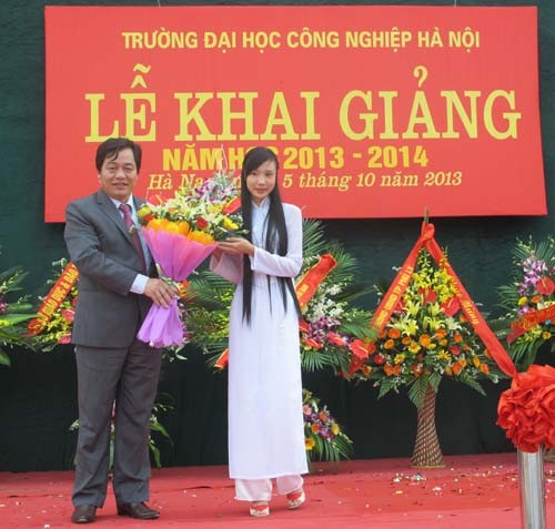 Tổ chức Lễ khai giảng năm học 2013 - 2014 tại cơ sở đào tạo Hà Nam