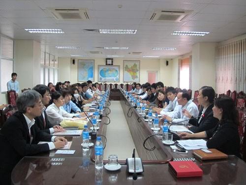 Đoàn công tác xã hội tỉnh Fukuoka đến thăm và làm việc với trường