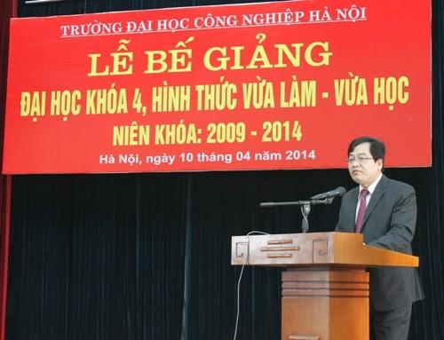 Lễ bế giảng hệ Đại học VLVH Khóa 4 (2009 - 2014)