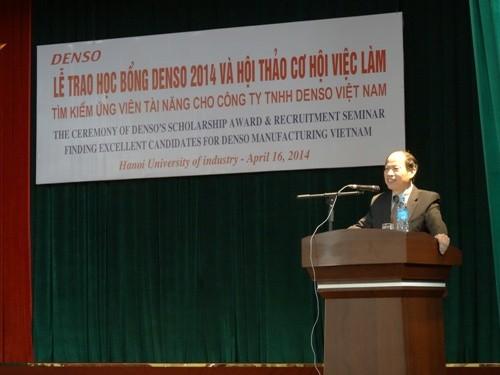 Lễ trao học bổng Denso năm 2014