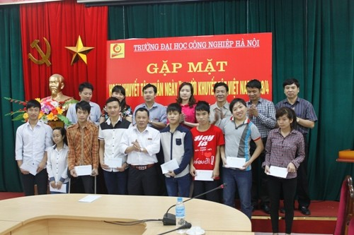 Gặp mặt HSSV khuyết tật nhân ngày Người khuyết tật Việt Nam 18/4