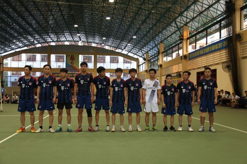Hình ảnh thể hiện sự đam mê TDTT của tập thể CBGV-HSSV trung tâm Việt-Nhật.