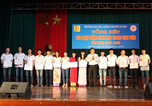 Hội nghị tổng kết hoạt động nghiên cứu khoa học của sinh viên năm học 2013-2014
