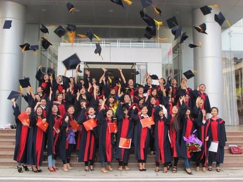 Giới thiệu tuyển sinh 2015 chương trình đào tạo Cử nhân ngành Công nghệ kỹ thuật Ô tô (Mã số 02041)