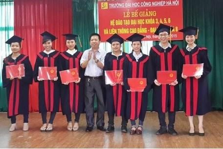 Lế bế giảng sinh viên Đại học Khóa 6 (2011 - 2015)