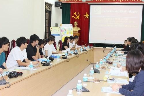 Trường Đại học Dokkyo thăm và làm việc với Nhà trường
