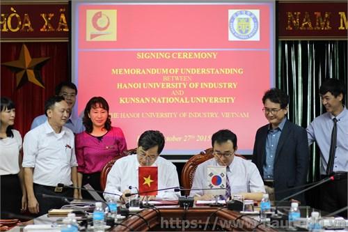 Lễ ký kết Thoả thuận hợp tác với trường Đại học quốc gia KunSan