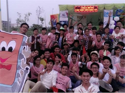 Chương trình chào tân SV K10 của trường Đại học Công nghiệp Hà Nội