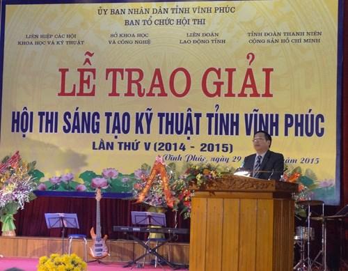 TS. Trịnh Trọng Chưởng nhận giải Nhì - Hội thi Sáng tạo kỹ thuật tỉnh Vĩnh Phúc lần thứ V (2014-2015)