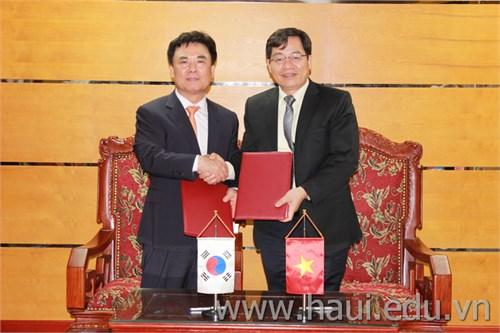 Ký kết Thoả thuận hợp tác với trường Đại học Kyugil