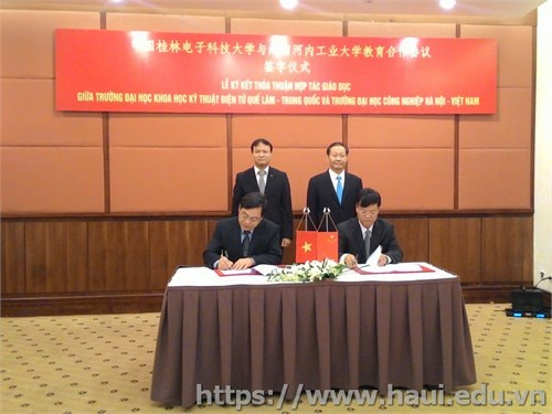 Hanoi University of Industry signs agreement on educational cooperation with Guilin University of Electronic Technology