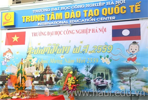 Vui Tết cổ truyền Bun Pi May - CHDCND Lào