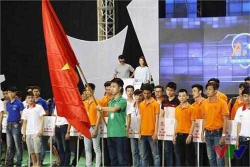 ĐH Công nghiệp Hà Nội bất ngờ bứt phá tại VCK Robocon Việt Nam 2016