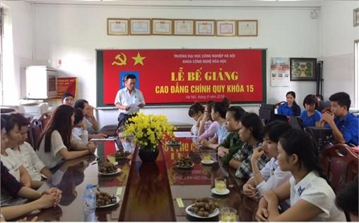 Lễ bế giảng cho sinh viên Cao đẳng K15 (2013-2016)