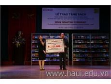 Lễ trao tặng sách của Công ty TNHH Denso Việt Nam