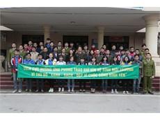 Sinh viên Công nghiệp ra quân vệ sinh môi trường