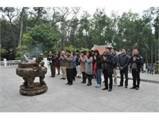 Chi bộ khoa Điện tử tổ chức cho Đảng viên đi học tập tìm hiểu thực tế khu di tích Chủ tịch Hồ Chí Minh tại Đá Chông (K9) – Ba Vì – Hà Nội.