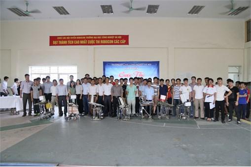 """Cuộc thi """"Sáng tạo Robot mini sinh viên Khoa Điện năm học 2016 - 2017"""""""