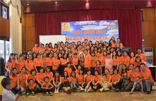 Khoa Ngoại ngữ kỷ niệm ngày Nhà giáo Việt Nam