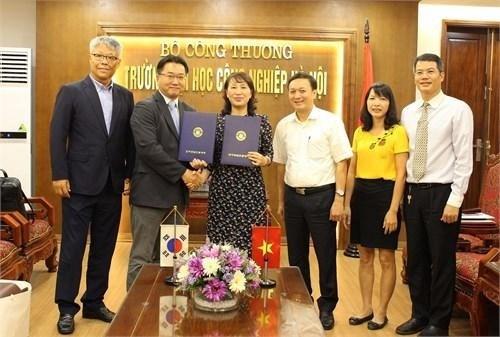 Ký kết bản ghi nhớ hợp tác với Trường Cao đẳng kỹ thuật Inha (Hàn Quốc)