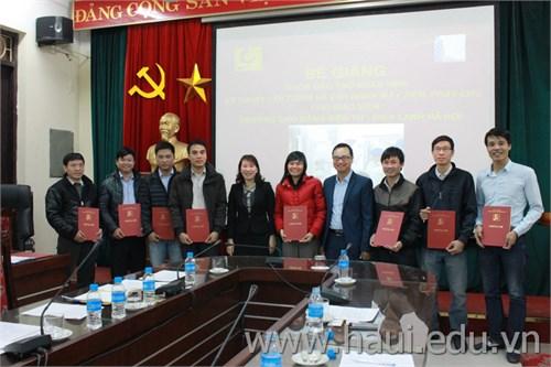 Bế giảng khóa đào tạo kỹ thuật lập trình và vận hành máy CNC cho Trường Cao đẳng Điện tử - Điện lạnh Hà Nội