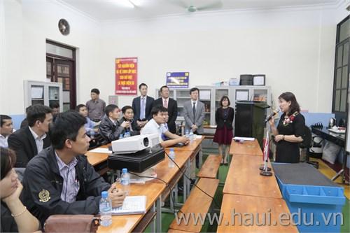 Hội thảo `Đào tạo ứng dụng và bảo dưỡng máy cắt dây xung điện`