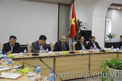 Prof. Dr. Hoang Van Phong working with University