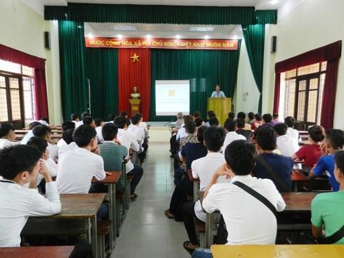 Tư vấn hướng nghiệp và giới thiệu ngành nghề năm học 2016 - 2017