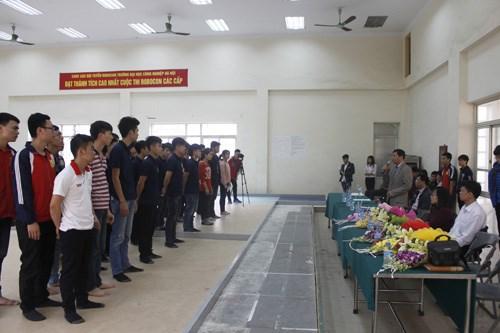 """Tổ chức cuộc thi """"Sáng tạo Robot Việt Nam 2017"""" cấp Trường"""