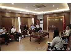 Trường Đại học Hùng Vương thăm và làm việc tại trường