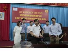 Ký biên bản ghi nhớ hợp tác giữa trường Đại học Công nghiệp Hà Nội và Công ty TNHH sản xuất hàng may mặc Esquel Việt Nam - Hòa Bình