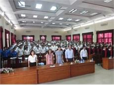 Lễ bế giảng và phát bằng tốt nghiệp cho Sinh viên Đại học khóa 8