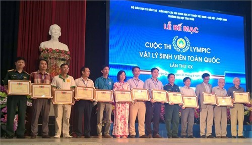 Olympic Vật lý sinh viên toàn quốc năm 2017: Trường Đại học Công nghiệp Hà Nội đạt giải Nhì toàn đoàn