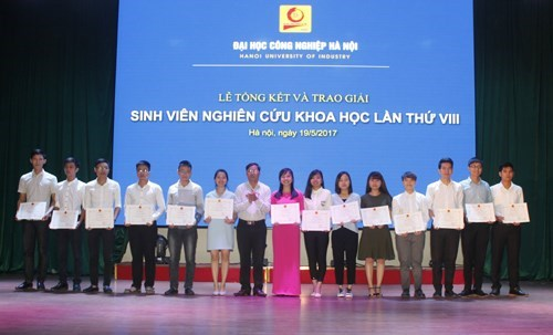 Closing ceremony and award ceremony of the 8th Student Research Contest