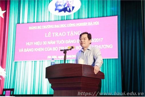 Trao tặng Bằng khen của Bộ trưởng Bộ Công Thương và Huy hiệu Đảng dịp 19/5/2017. Hội nghị sơ kết công tác Đảng 6 tháng đầu năm và phương hướng, nhiệm vụ công tác 6 tháng cuối năm 2017