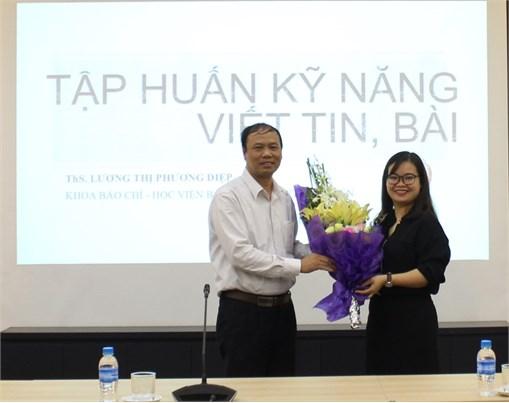 Tập huấn kĩ năng viết tin, bài cho 70 cộng tác viên Trường Đại học Công nghiệp Hà Nội