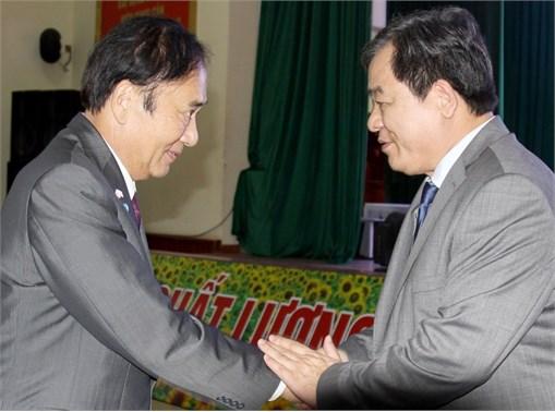 Hiệu trưởng Trường Đại học Công nghiệp Hà Nội tiếp và làm việc với Tỉnh trưởng Tỉnh Saitama Nhật Bản