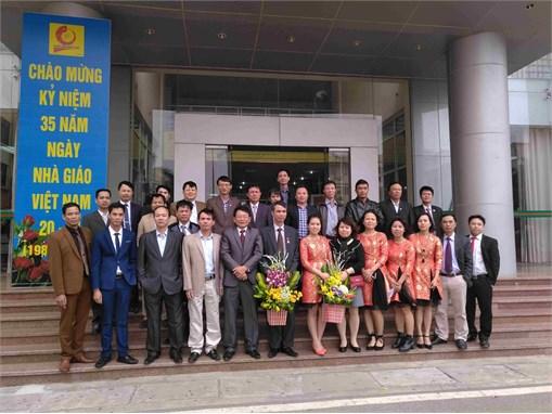 Trung tâm Việt Nhật long trọng tổ chức các hoạt động chào mừng ngày nhà giáo Việt Nam 20/11