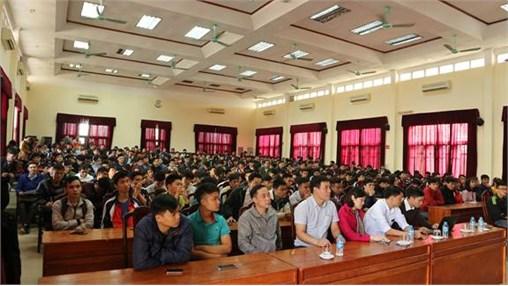 Khoa Điện tổ chức cố vấn học tập cho sinh viên hệ đại học chính quy năm cuối