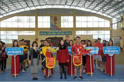 Thi đấu giao hữu bóng chuyền, cầu lông giữa trường Cao đẳng Kinh tế Công nghiệp Hà Nội và Đại học Công nghiệp Hà Nội