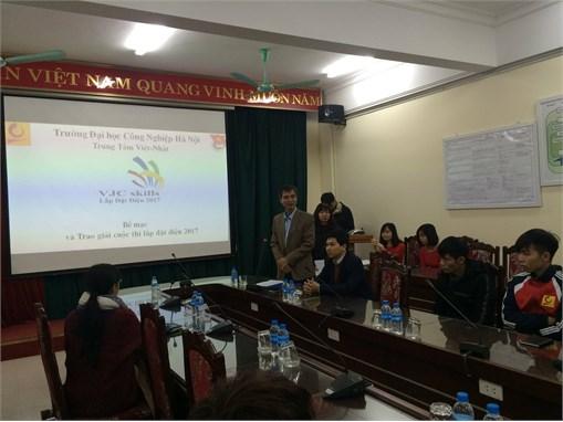 TT Việt Nhật tặng quà tết cho sinh viên có hoàn cảnh đặc biệt khó khăn