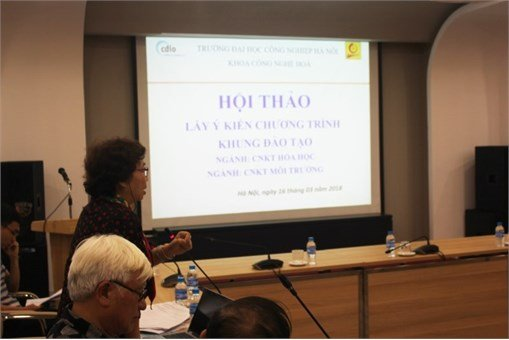 Hội thảo `Lấy ý kiến chương trình khung ngành CNKT Hóa học và ngành CNKT Môi trường`