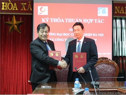 Hanoi University of Industry signs partnership agreement with Tokushin Group