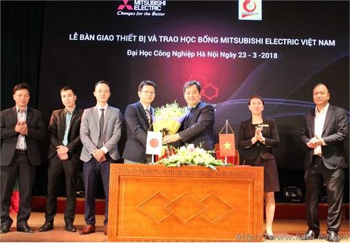 Mitsubishi Electric Việt Nam trao tặng gói thiết bị gần 2.2 tỷ đồng cho Trường Đại học Công nghiệp Hà Nội