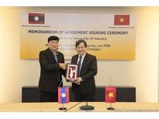 Lễ kí biên bản ghi nhớ với Bộ Giáo dục và Thể thao, Nước CHDCND Lào