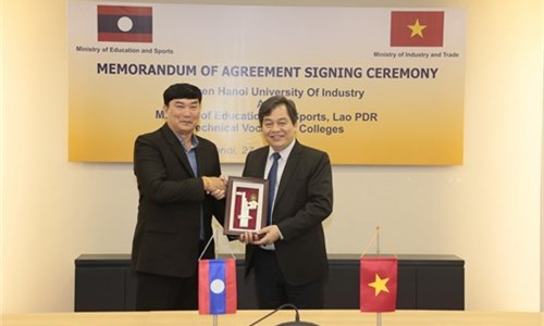 MOU signing Ceremony between Hanoi University of Industry and the Laotian Ministry of Education and Sports