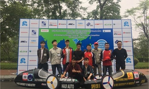 SUPERCUB 50 team of HaUI wins the Honda Mileage Challenge 2018