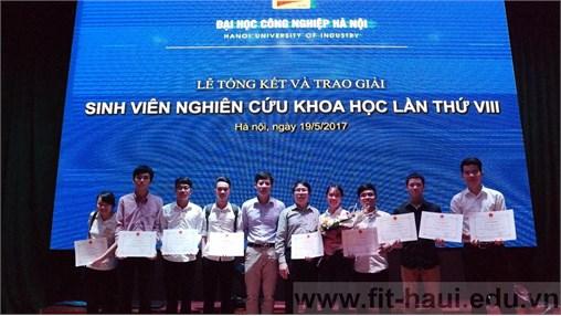 Ấn tượng lễ trao giải Sinh viên Nghiên cứu khoa học lần thứ VIII