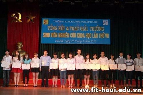 Lễ trao giải Sinh viên Nghiên cứu khoa học lần thứ VII