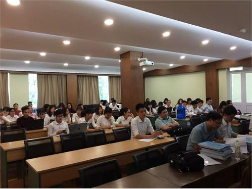 Nghiệm thu đề tài nghiên cứu khoa học của sinh viên Khoa Công nghệ Hóa năm học 2017-2018